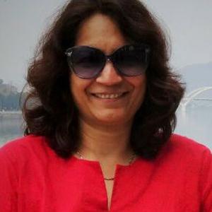 Dr Muktaja Mathkari Head, Dept. of English, B.M.C.