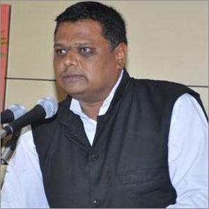 Dr Arvind Nawale, Head, Dept. of English, Shivaji